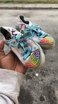 pair of gray-and-multicolored floral shoes Saint Petersburg, 33705
