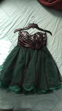 Girl's green and black sweetheart neckline sequined dress