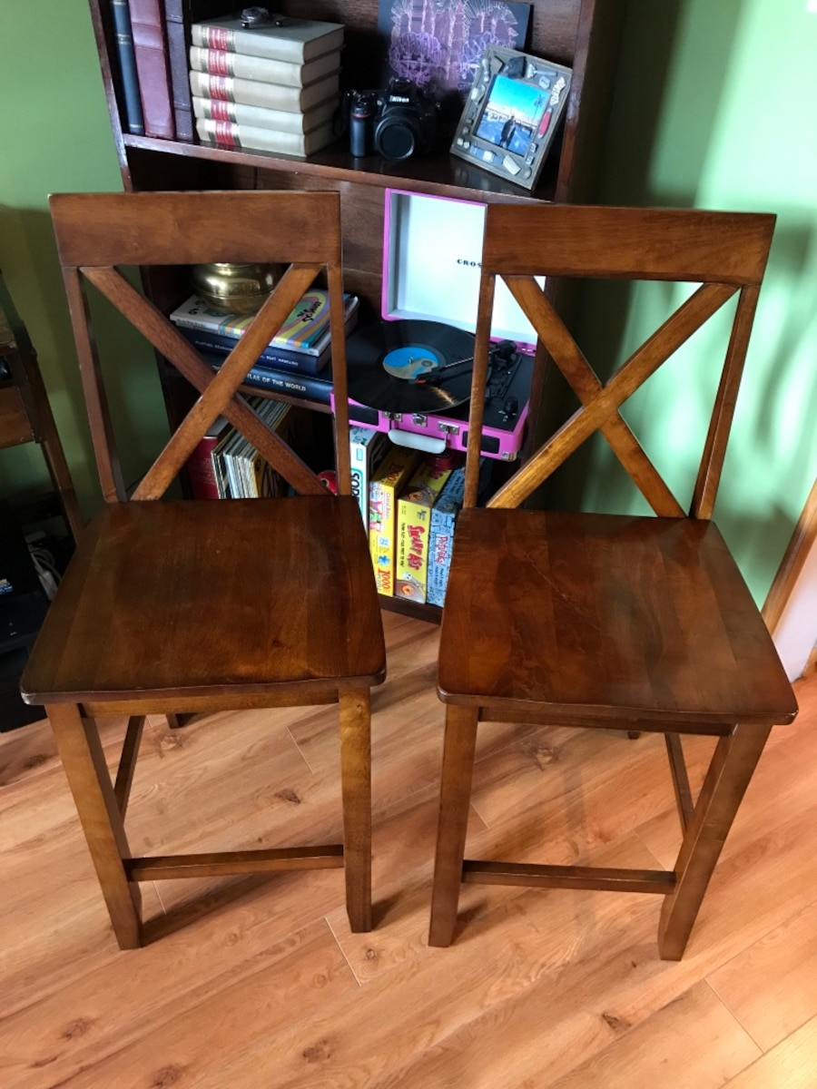 Used two brown wooden dining chairs in new york