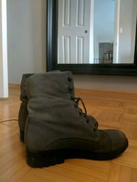 Gray suede boots size 8 Mississauga, L5N 5T7
