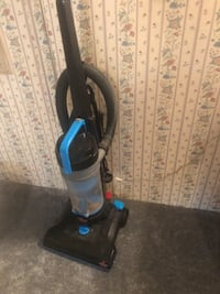 black and blue upright vacuum cleaner Asheville, 28806