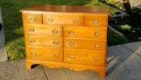 Solidwood dresser  Modesto, 95356