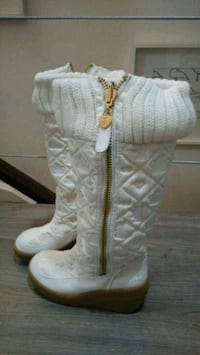 brand new juicy couture boots (size 6)retail $250