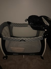 baby's black and gray travel cot Lawrenceville, 30046