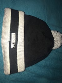 Black and white knit beanie Carson, 90745