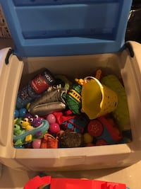 Little tykes storage bin. Toys included. Pick up only   Hamilton, L8B 0T9