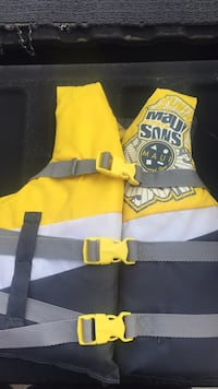Child's life vest  Cathedral City, 92234
