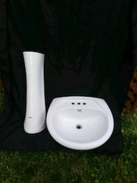 SINK FAUCET//WHITE CLEAN//NOT BROKEN//40$ Châteauguay