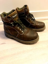 Women's winter hiking boots with thinsulate size 8 Toronto, M9W 0E3