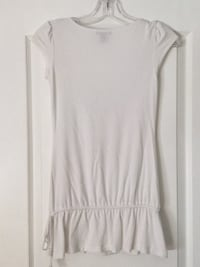 White scoop-neck sleeveless top. Size small girls/teens