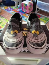 VANS DISNEY EDITION SIZE 13 KIDS