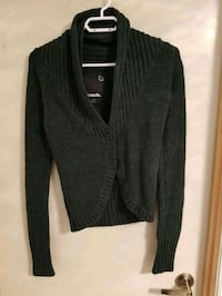 Small green bench sweater
