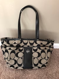 Coach Large Bag Stephens City, 22655