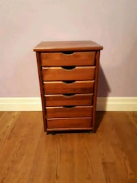 Solid wooden 5-drawer dresser Orillia, L3V 6H1