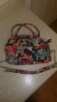 Vera Bradley purse Virginia Beach, 23462