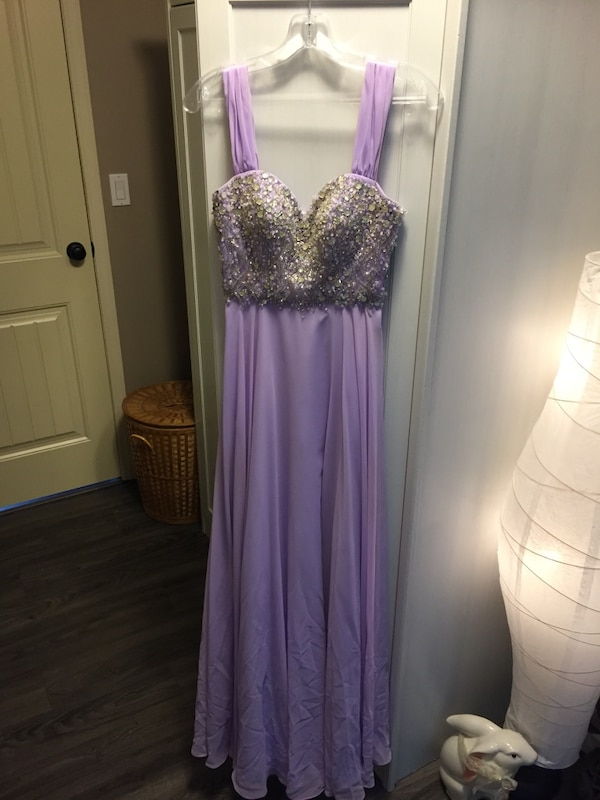 6c0d11d23de Used Grad Dress for sale in Central Saanich - letgo