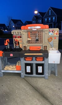 Step 2 Home Depot Workbench / Tool Bench and Workshop Toys