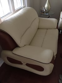 Compete set 3 pieces sofa , love seat and chair. Bonded leather For pick up as  Mississauga, L5M