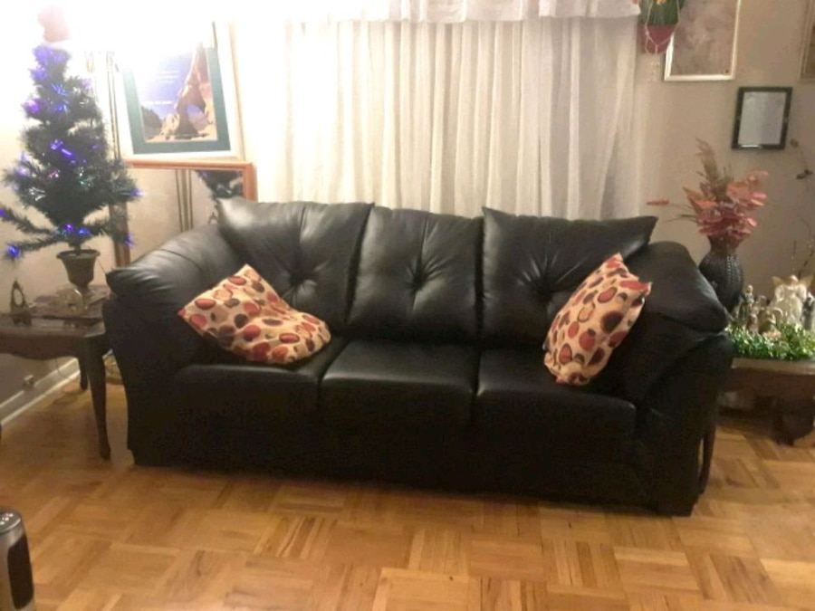 used black leather 3 seat sofa with queen size sofa bed for sale in rh gb letgo com