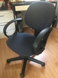 black and gray rolling armchair Los Angeles, 91335