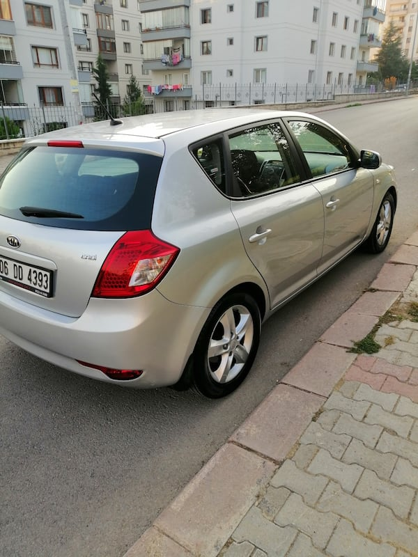 SON FİYAT... 2011 Kia Ceed 1.6 EX DSL 5 DR CONCEPT AT SR 128 PS 6