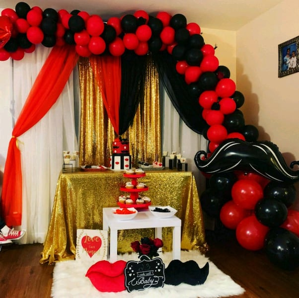 For rent: Lips and mustache gender reveal package b6436fdf-a834-4f6b-999b-274d640bd63a