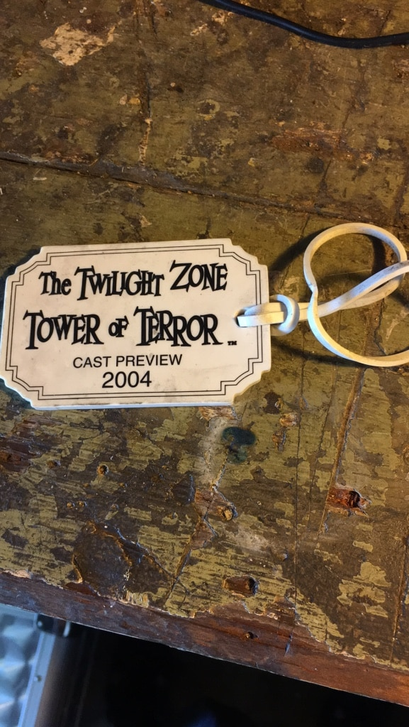 Photo Twilight zone tower of terror cast preview luggage tag. Used