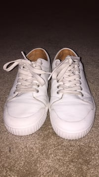 Spring court classic white leather size 8 Pretty good condition. Bought in Australia size 38 on tag = size US 8 Fort Myers, 33967