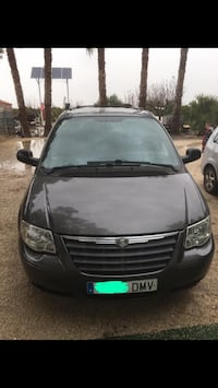 2005 Chrysler Town & Country Sueca