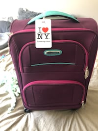 Carry on size luggage   Oakville, L6M 0B7