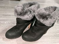 BCBG blacksueded fur-lined boots 7 1/2 Brampton, L6T 3R5