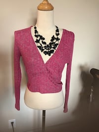 women's pink and black floral cardigan Toronto, M6K 2Z1