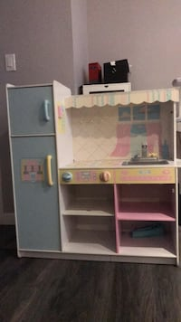 Toddler kitchen Burnaby, V5B 1Z7
