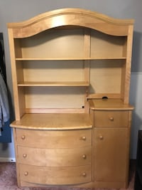 Solid maple wooden dresser with hutch; comes apart in 2 pieces for easy transport Alexandria, 22309