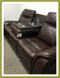 USB GORGEOUS BRAND NEW SOFA AND LOVESEAT 39 down
