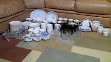 ceramic and glass dinnerware lot