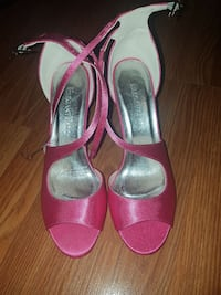 Hot pink formal heels!  Edmonton, T5W 2K1