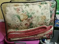 Queen size comforter and skirt Welland, L3B 5N4
