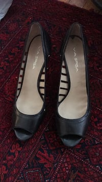 pair of black leather peep-toe heeled shoes Woodbridge, 22192