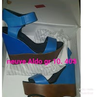 blue-and-black leather wedge sandals Gatineau