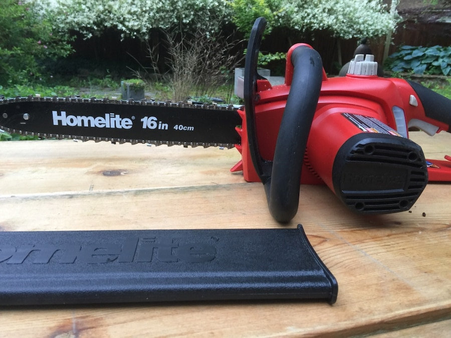 "Homelite 16"" 12 Amp Electric Chainsaw - Port Coquitlam"