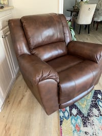 REALLY COMFORTABLE BROWN LEATHER reclining chair, LIKE NEW