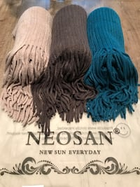 Scarf new each 5& Vancouver, 98682
