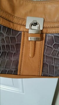 Guess handbag genuine leather Toronto, M3L 1E9