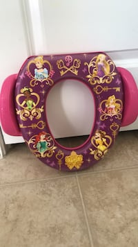 Potty training seat barely used  Clarksburg, 20876