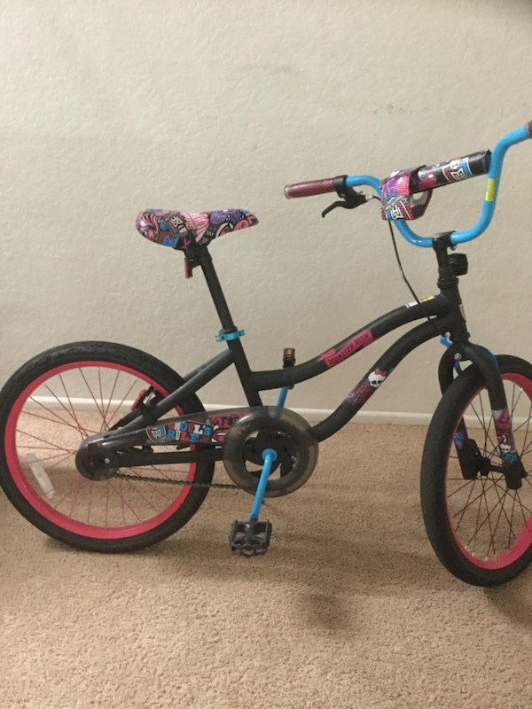 Monster high 21 inch girls cycle in good condition***Reduced price 29a3746a-73d9-4494-9c54-39f4a531cba4