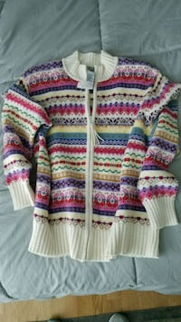 Beautiful new cardigan sweater Calgary, T2P 0E4