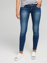 Guess jeans size 28 power skinny stretch London, N6G 2C7