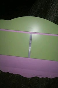 pink and green wooden bed frame Baton Rouge, 70816