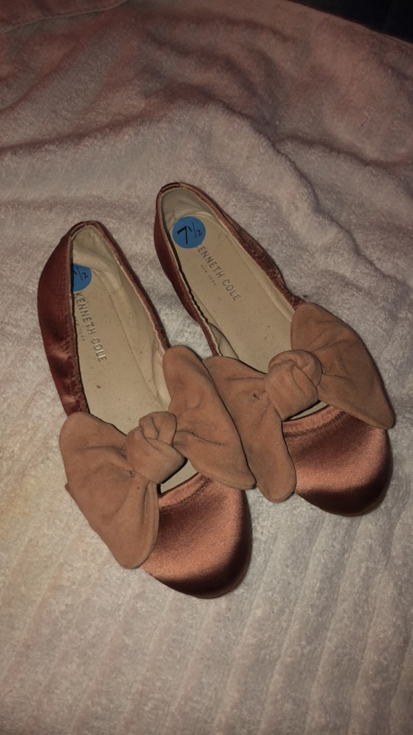 Kenneth Cole flat shoes